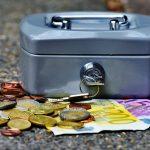 ビットコインを現金化したら税金は?換える時の2つの注意点